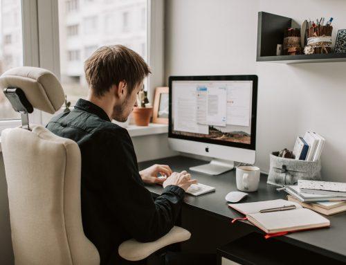 Praca przy komputerze a prawo do przerwy.