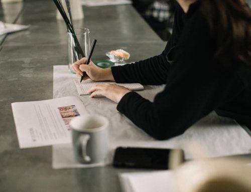 Czy pracodawca ma obowiązek ustosunkować się do wniosku pracownika w zakresie podwyższenia wynagrodzenia?